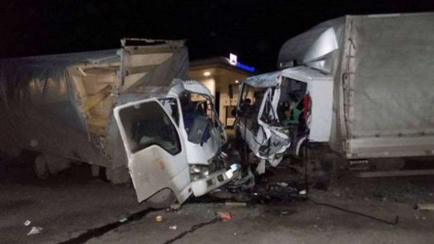 ДТП під Літином: лоб у лоб зіткнулися дві вантажівки. Водії загинули (оновлено)