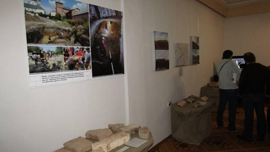 «Ще одна цеглина в стіні».В Вінниці відкрилася унікальна виставка