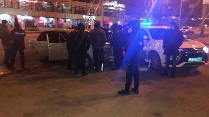 Погоня за «домушником» на «Волзі». Як у центрі Вінниці взяли злочинця