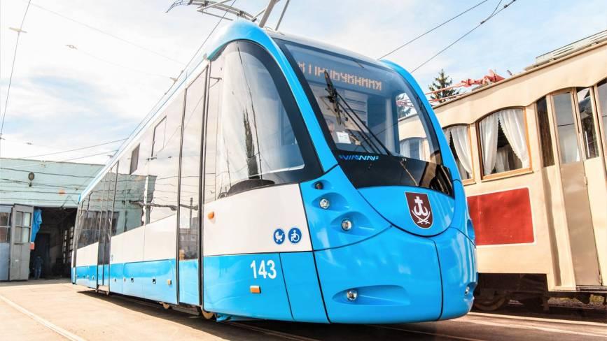 У Вінниці на маршрут вийшов новий шістнадцятиметровий трамвай VinWay