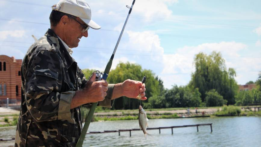 Ловися, рибко, велика й маленька: провели день з вінницькими рибалками