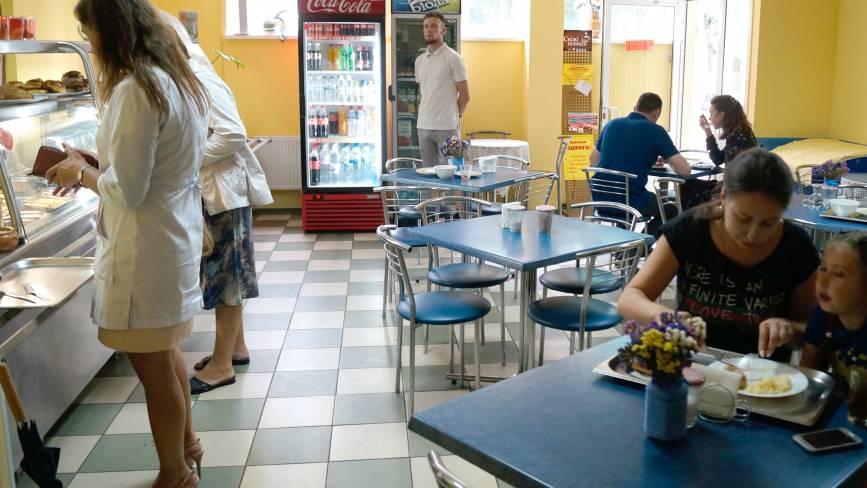 Рейд по вінницьких їдальнях: як і чим годують у лікарні Пирогова
