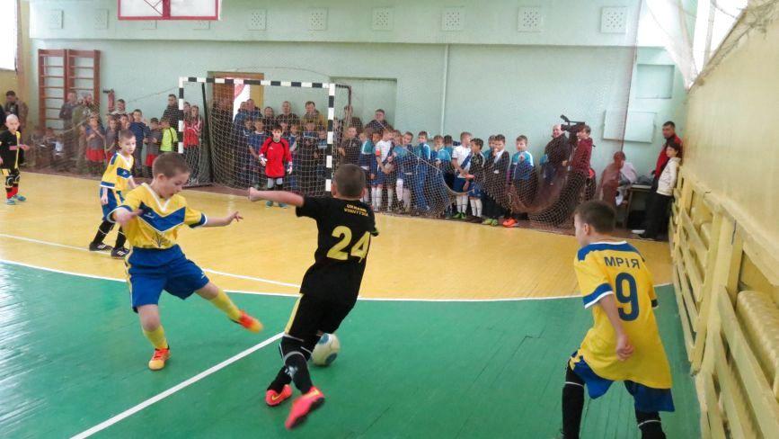 «Новорічні зустрічі» юних футболістів: «мрійники» не встояли перед школою Блохіна-Бєланова