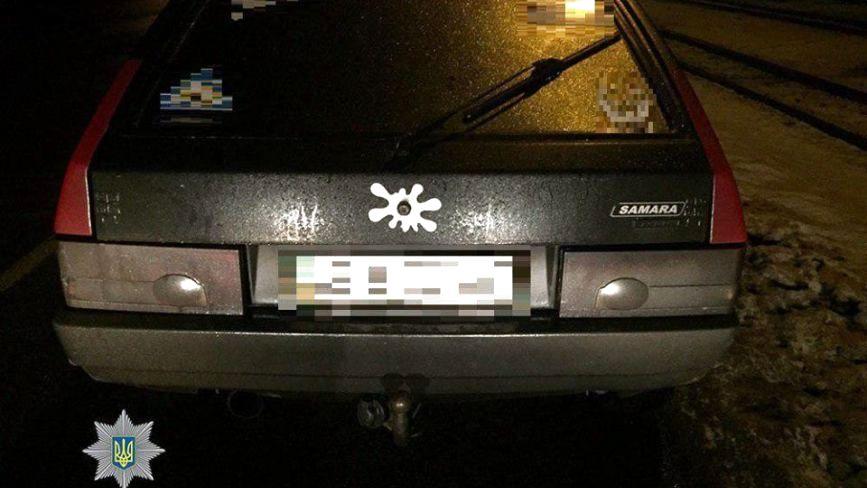 На Хмельницькому шосе затримали водія «під кайфом» з наркотиками