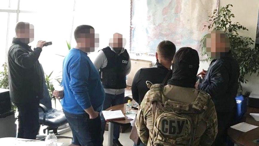 СБУ затримала шістьох українців, які постачали товари терористичним організаціям «Д/ЛНР»