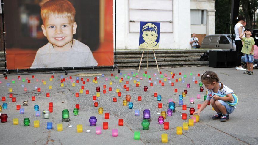 «Рак вже немає над ним влади» Влаштували вечір пам'яті 5-річного Івасика