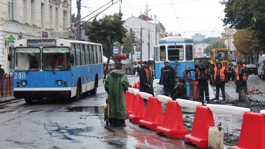 Соборна без трамваїв. Що там роблять і як їздить транспорт?