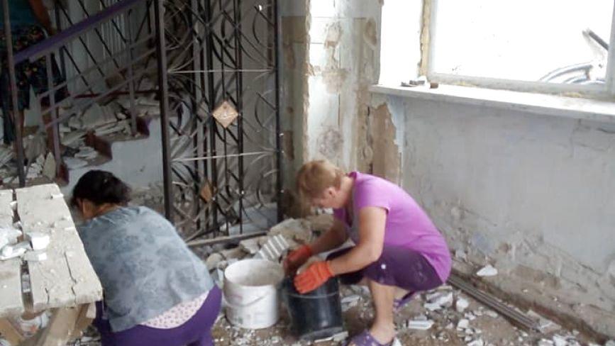 Послання з минулого: знайшли цікаву коробочку «Монпасьє» під час ремонту будинку культури