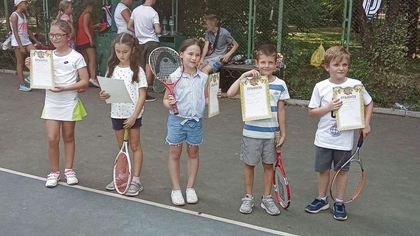 Тенісні баталії для наймолодших: змагалися навіть шестирічні вінничани