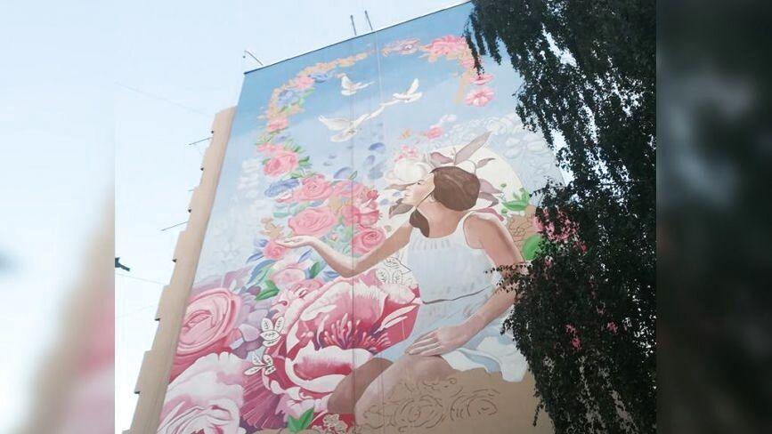«Культурний код» на Стельмаха: у Вінниці завершують ще один мурал-арт