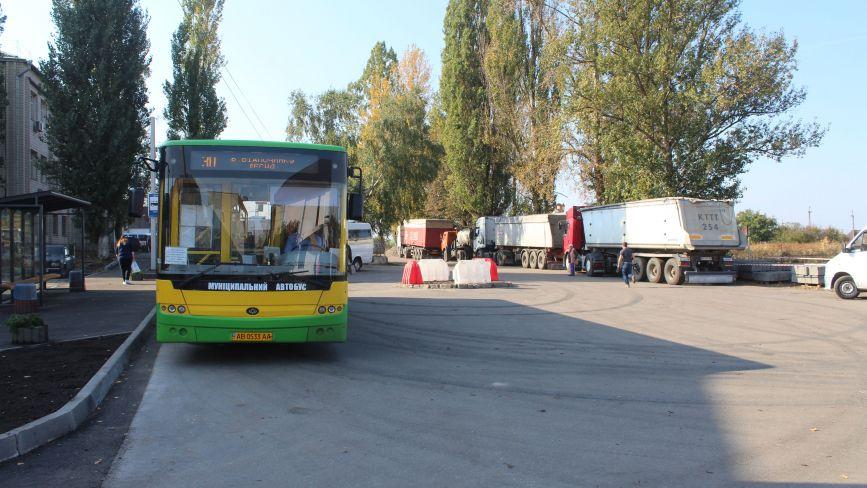 Користь від об'єднання з Вінницею: у Десні ремонтують головну дорогу