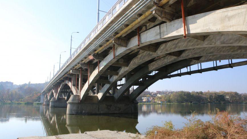 Мерія перемогла у суді по Київському мосту: договір з підрядником розірвали, але гроші не повернули