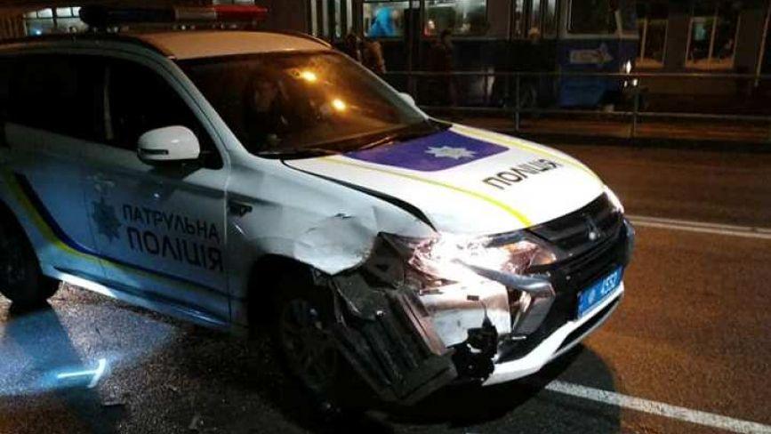 Аварія на Лісопарку: копи на Mitsubishi наздогнали Hyundai