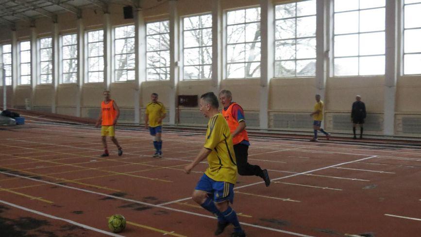 В футзал грають й пенсіонери: у ветеранському обласному турнірі змагалися навіть 60-річні