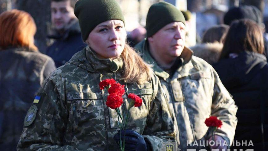 Шана героям до Дня збройних сил України. Репортаж з покладання квітів до пам'ятних знаків
