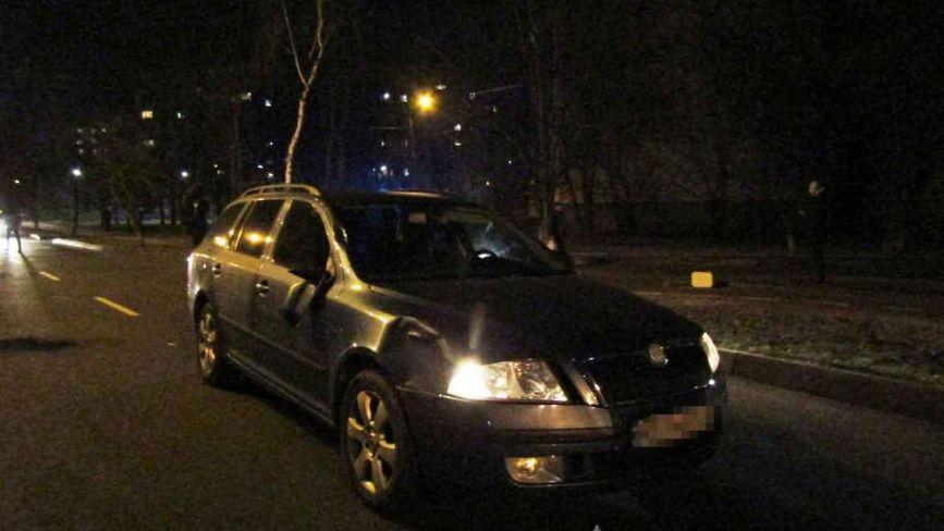 На Стельмаха водійка на Skoda збила насмерть жінку. Шукають свідків аварії