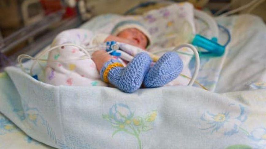 «Пишуть історію хвороби з малюками на руках»: зворушливо про роботу дитячих реаніматологів