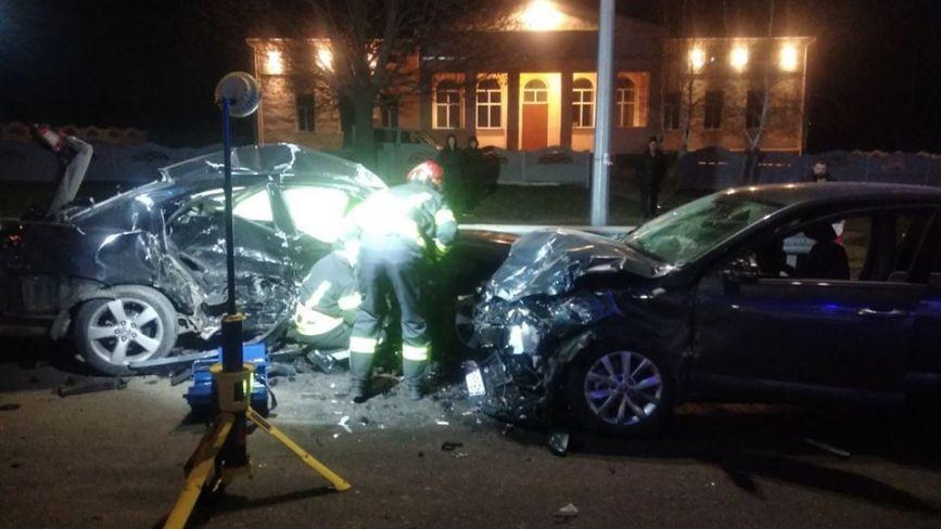 Моторошна ДТП біля Ксаверівки: Шкода врізалась у Mitsubishi. Є постраждалі