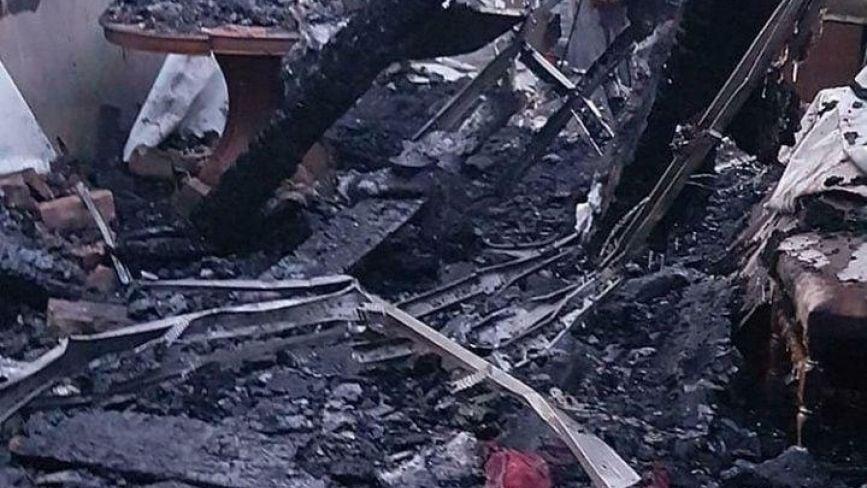 """""""20 років життя знищено"""": на Вінничині у святвечір згорів будинок сім'ї Іщенко"""