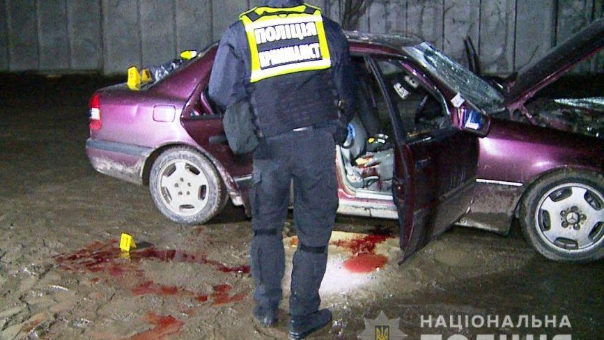 На Вінниччині п'яний чоловік підірвав Mercedes. Трьох людей рятують в реанімації