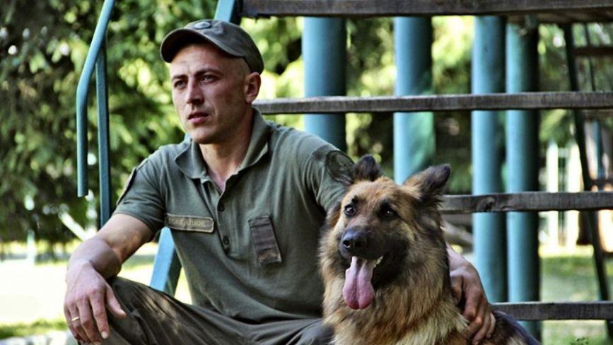 Взвод чотирилапих гвардійців. Як у Калинівському полку 14 собак служать поряд з військовими
