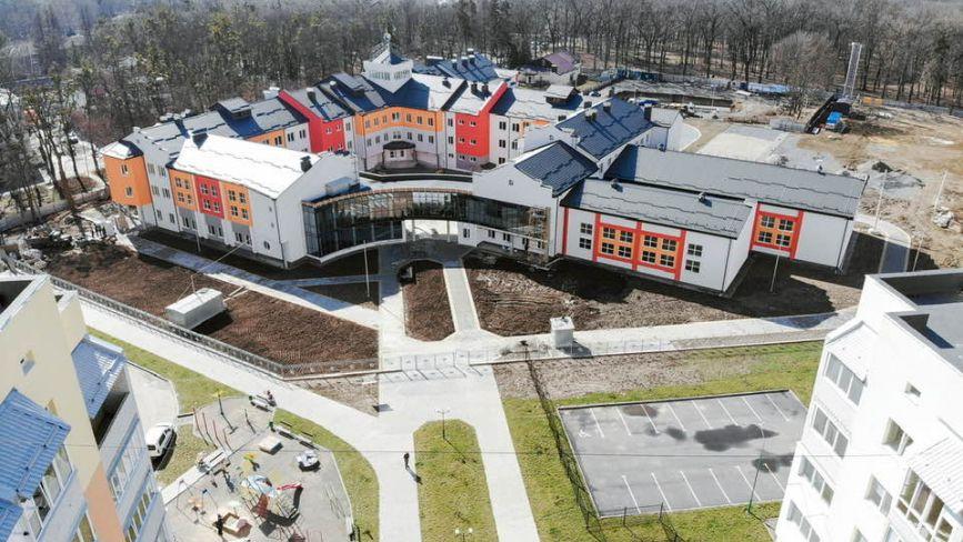 Гімназія на Поділлі:  будівництво підходить до фінішу. Коли обіцяють закінчити?