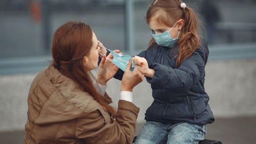 Викладачі палацу дітей та юнацтва онлайн навчають вихованців шити маски