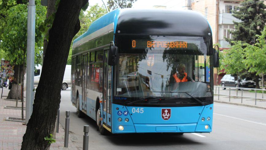 ФОТО ДНЯ. На вулицях Вінниці їздить новий тролейбус «VinLine»