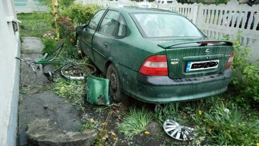 В Козятині водійка на «Опелі» збила жінку та двох маленьких дітей. Постраждалі у лікарні