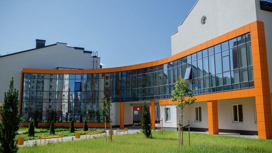 До кінця місяця в експлуатацію здадуть нову школу на Поділлі