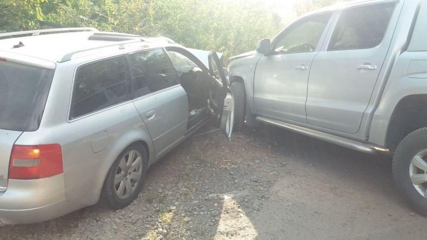 Біля Вороновиці автомобіль Audi оминав «Камаз» та в'їхав у Volkswagen