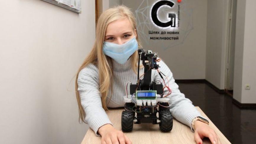 «Ми використали знання з користю»: розробили робота, який вміє вимірювати температуру
