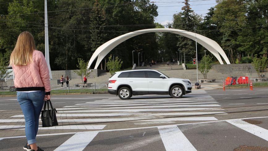 Перший день роботи світлофорів на площі Гагаріна (ФОТОРЕПОРТАЖ)