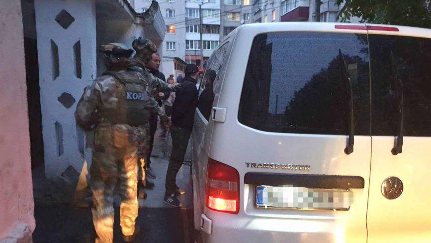 У Хмельницькому затримали квартирних крадіїв, які обчищали вінничан