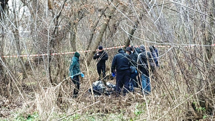 Обгоріле тіло чоловіка знайшли на Бригантині. Що там відбувається?