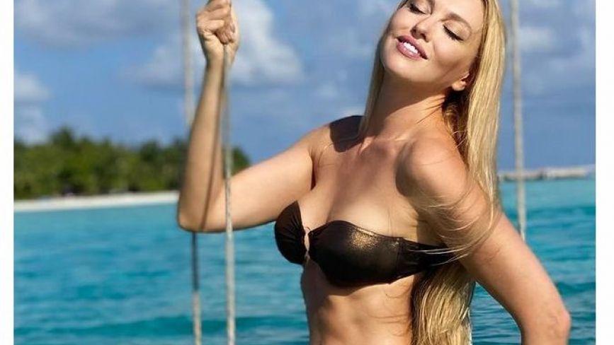 Оля Полякова виклала гарячі фото в бікіні з відпочинку на Мальдівах
