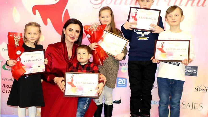 Проект «Жінка Вінниччини» відзначив переможців і зібрав кошти дітям на інсулінові помпи