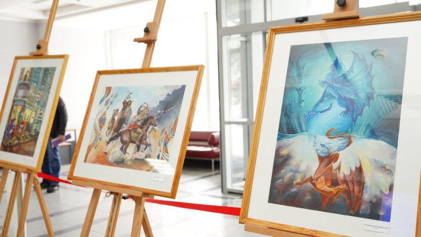 Відкрилась виставка юної Анни Марич. Де подивитися на роботи художниці?