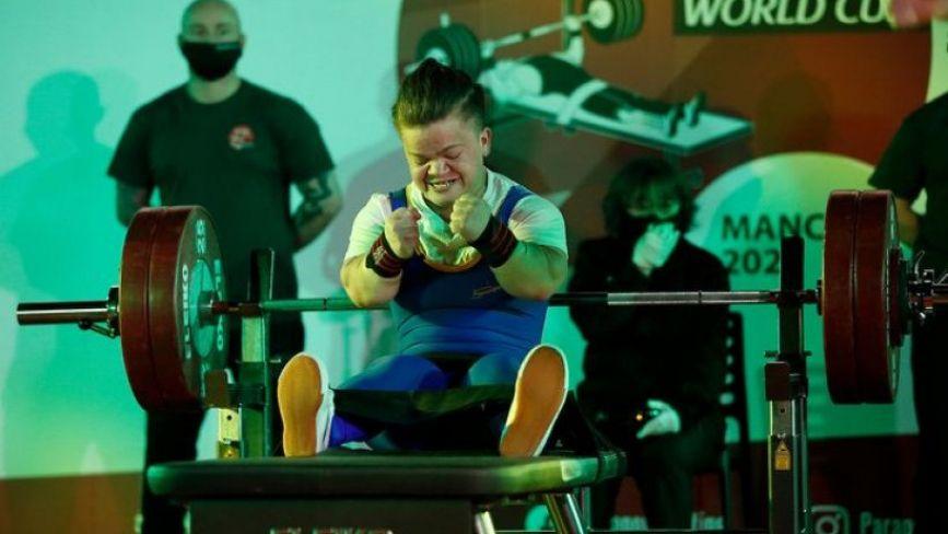 Спортсменка з Хмільника встановила новий світовий рекорд з пауерліфтингу