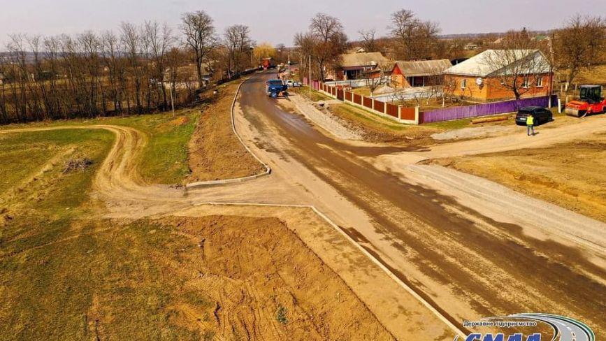За понад 160 мільйонів ремонтують дві ділянки на дорозі Гайсин-Теплик
