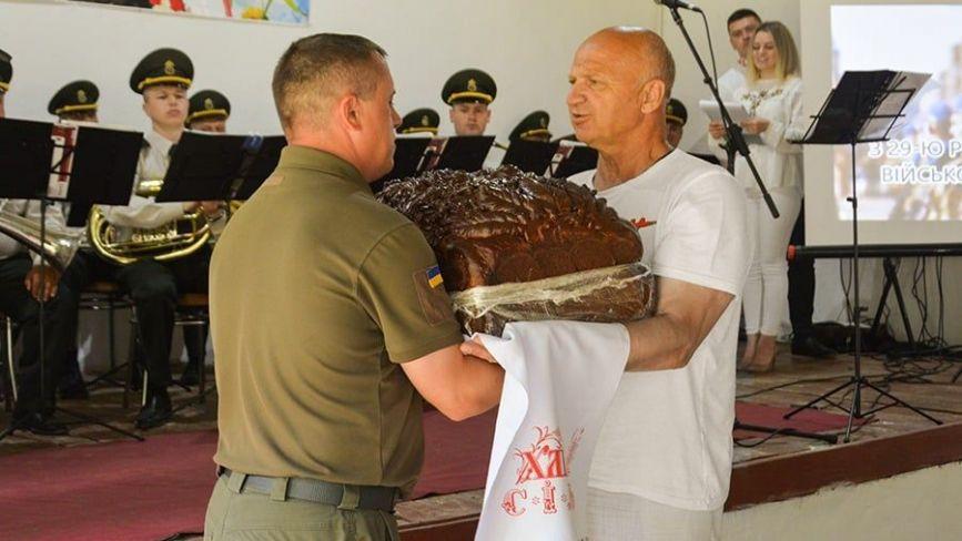 На одностроях гвардійців з 3008 з'явиться Герб Вінниці. Іменини у військової частини