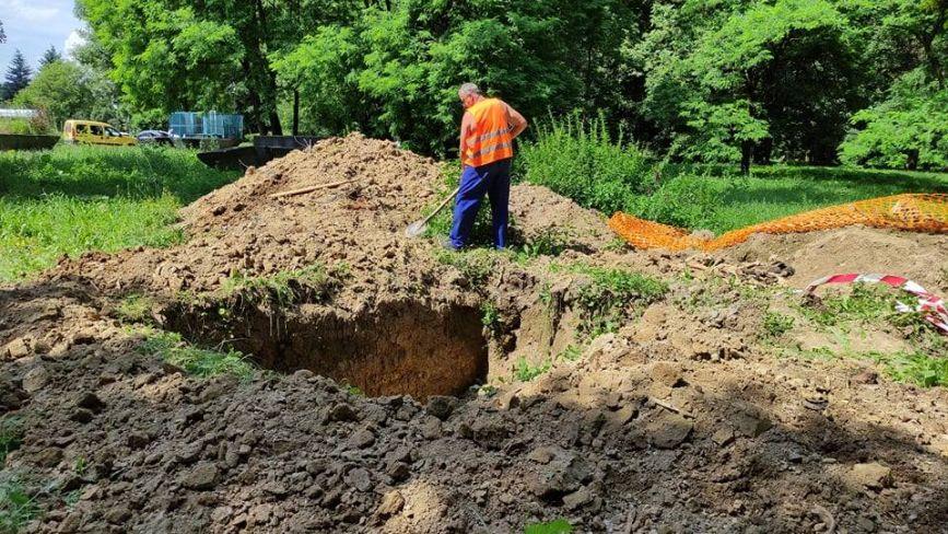 Копали під кабель, знайшли кістки. Біля нічного клубу «Курсаль» робітники розкопали поховання