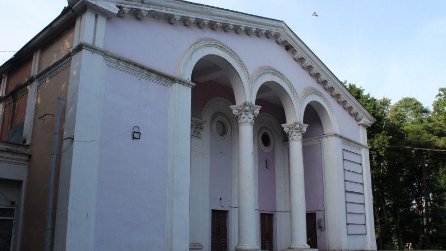 Літній театр у Вінниці занепадає і руйнується. Які є плани на об'єкт?