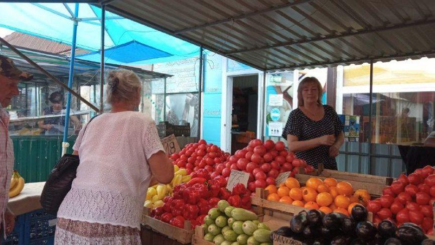 Що по чому, або яка вартість сезонних фруктів і овочів на вінницьких ринках