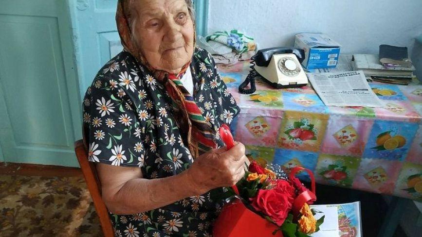 За порогом століття: в 101 рік Агрипина з Бережан читає газети та любить спілкуватись