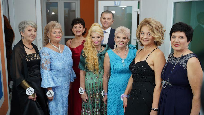 У Вінниці відбувся конкурс краси «Пані 60+». Хто переміг та отримав головний приз