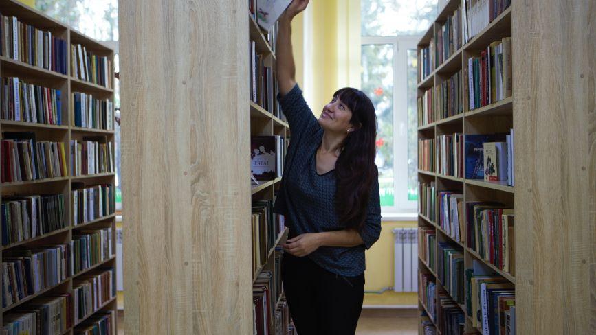 «Це більше, ніж книгосховище». Історія бібліотекарки Тетяни, яка кайфує від своєї роботи