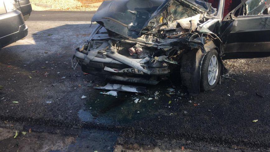 В Гайсинському районі зіткнулися дві машини. Троє людей у лікарні