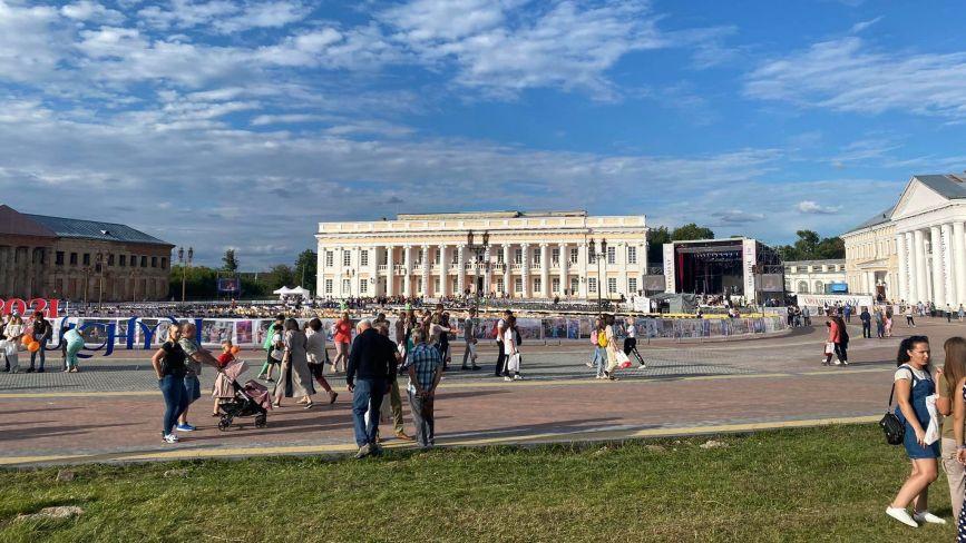 Палацу Потоцьких у Тульчині повернуть первозданний колір. Який саме?