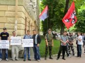 Активісти під судом протестували проти повернення головних лікарів Антонець та Власюка